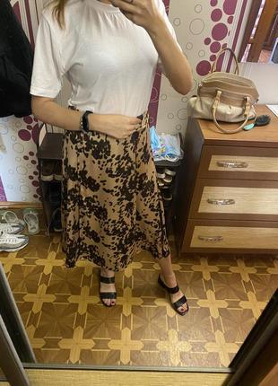 Шикарная атласная  юбка на запах анималистический принт леопардовая юбка спідниця нюанс