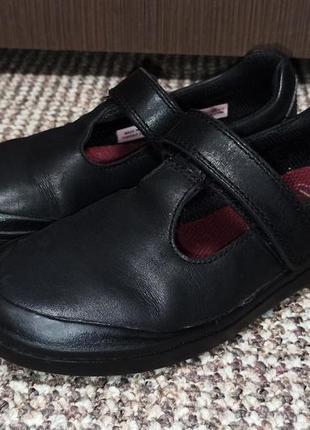 Туфли из натуральной кожи clarks. размер 29 ( стелька 19 см )