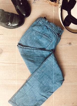 Брюки из натурального тонкого джинса