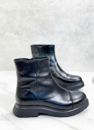 Женские ботинки черные невысокая подошва натуральная кожа  cora 1-1