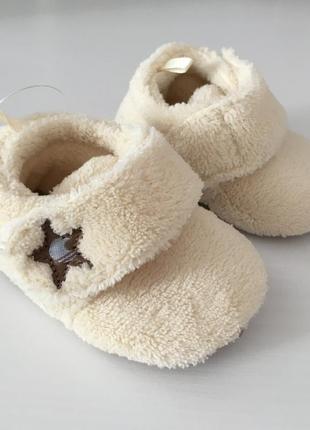 Пинетки low bootie  кремовые тёплые  для новорождённых 0-3 мес  soul cal англия