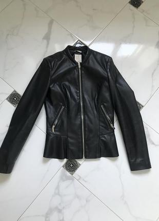 Кожаная куртка косуха из эко-кожи с баской zara