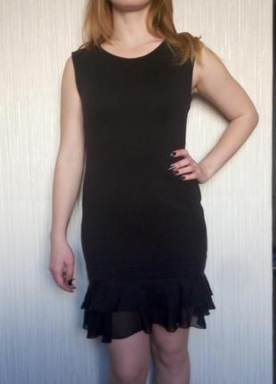 Черное коктельное платье по фигуре, можно в офис