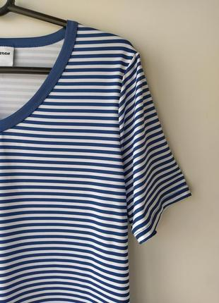 Очаровательная футболка в полоску