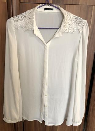 Шифоновая белая блузка с кружевным воротником