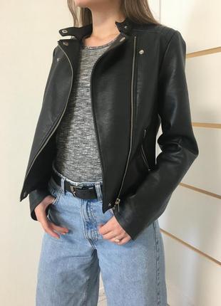 Куртка косуха жіноча stradivarius