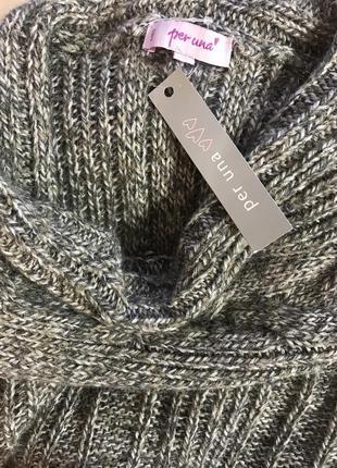 Очень красивый и стильный брендовый тёплый вязаный свитерок.
