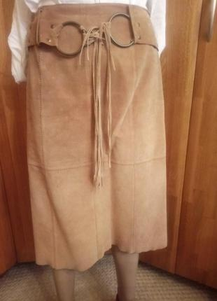 Замшевая юбка-карандаш цвета кэмел