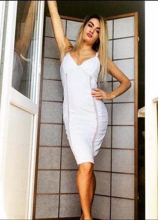 Платье по фигуре миди сексуальное