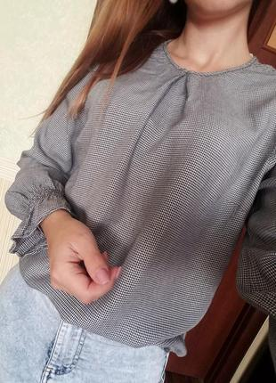 Блузка в узор гусиные лапки, красивый рукав h&m