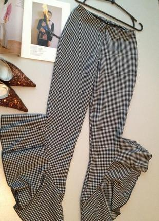 Стрейчевые брюки в клетку с воланами все по 25