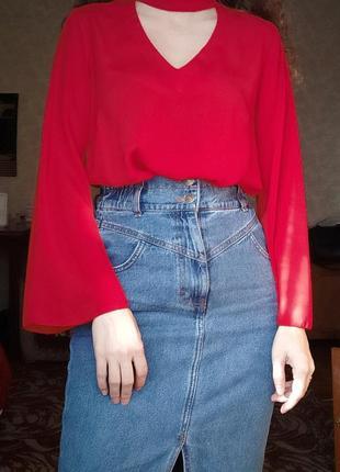 Актуальна червона блуза