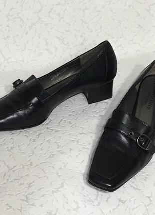 Стильные деловые удобные кожаные туфли на низком ходу, размер 38 на стопу 24,5-25