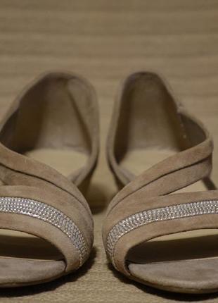 Очень красивые открытые кожаные босоножки цвета какао footglove 4 1/2