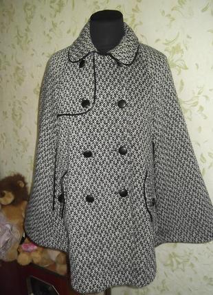 Красивое пончо  пальто размер  m