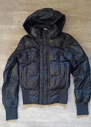Черная куртка пуховик nike