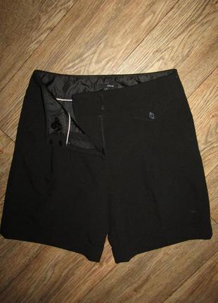 Черные шорты р-р xs-s бренд etam
