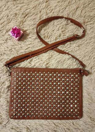Женская сумочка на ремешке