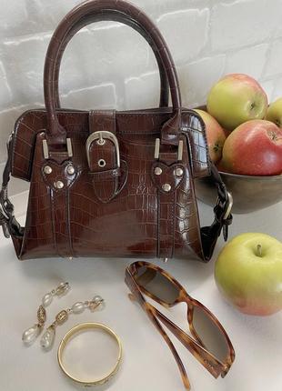 Маленькая коричневая сумочка с двумя ручками под винтаж