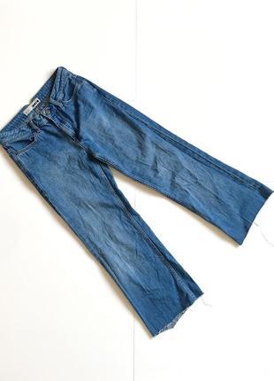 Укороченные синие джинсы на высокой посадке. 24/32