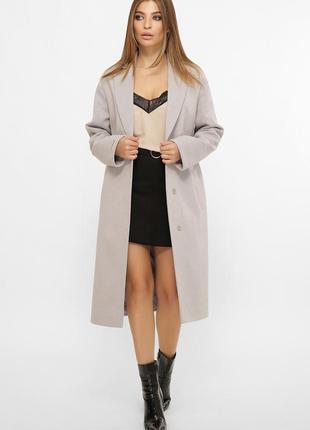Классическое пальто серого цвета