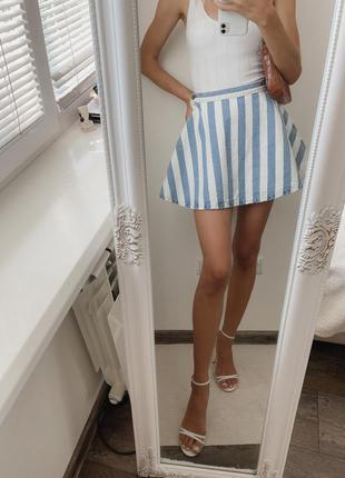 Полосатая джинсовая юбка, мини юбка колокольчик в полоску