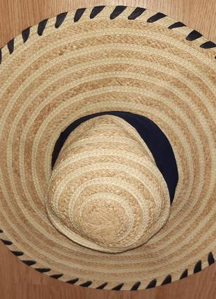 Соломяний капелюшок next