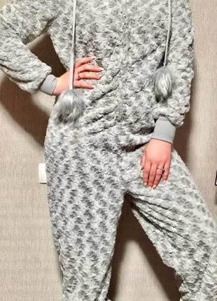 Шикарная пушистая пижама ,комбинезон