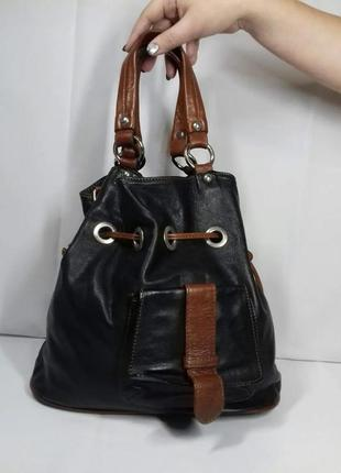 Дуже стильна шкіряна сумка!
