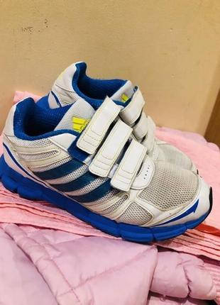 Adidas оригинал кроссовки мальчику удобные очень