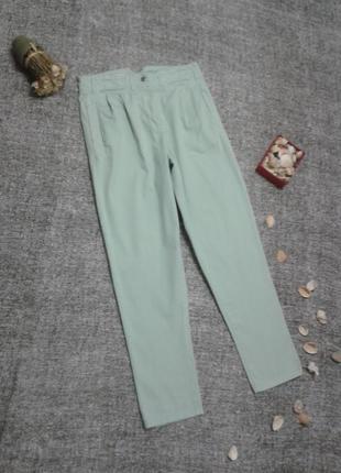 Трендовые брюки слим укороченные и плотные  брючки,размер 8 может подойти и на 10