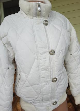 Белая тёплая куртка