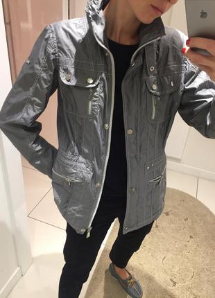 Женская куртка. осенняя куртка. плащ