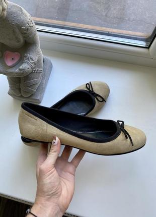 Туфли балетки замшевые vagabond бежевые 40