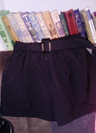 Новые шорты /черные/карманы/пояс