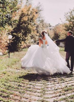 Дизайнерское свадебное платье пышное