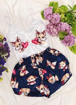 Женская пижама шелк армани на тонких бретельках с принтом.