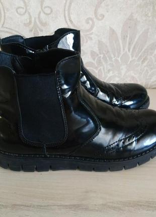 Стильные ботинки для девочки
