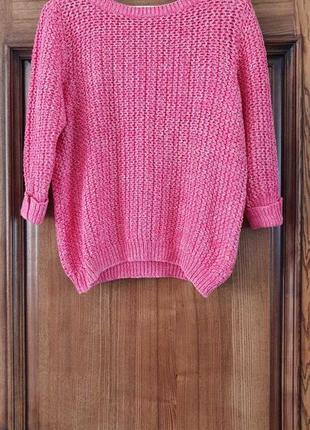 Вязаный свитер .