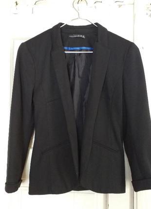 Чорний піджак від бренду  atmosphere🍂