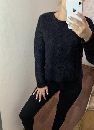 Тёплый пушистый свитер  bershka
