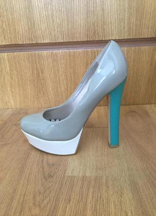 Красиві туфлі centro