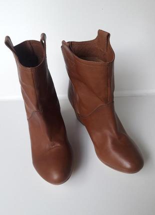 Cox нові шкіряні чобітки