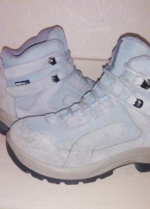 Замшевые трекинговые термо ботиночки quechua waterproof