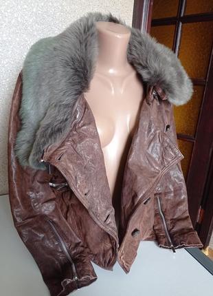 Karen millen крутая кожаная куртка с меховым воротником.