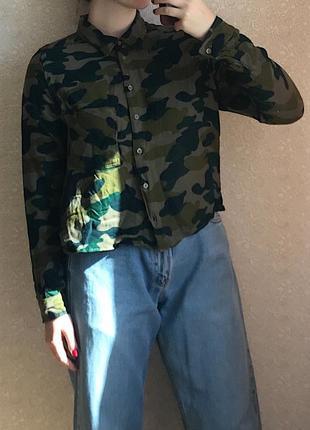 Рубашка в камуфляжный принт от  divided h&m