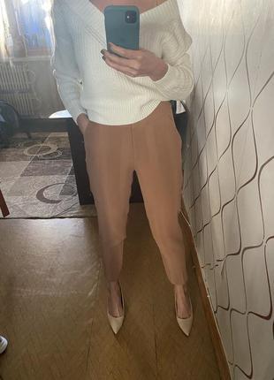 Классические брюки цвета кемел