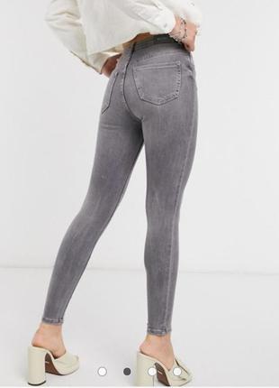 🌿1+1=3 зауженные узкие серые женские джинсы скинни с рваными коленями vila, размер 42 - 44