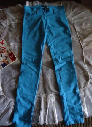 Стрейчевые голубые штаники