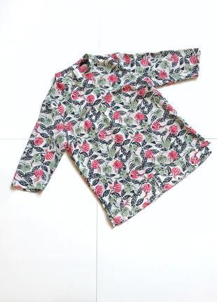 Шикарная блуза с цветами. р. м